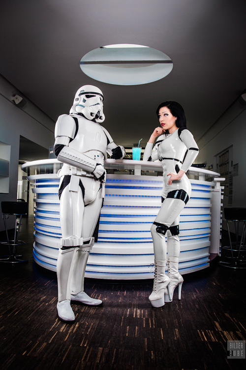 latex-stormtrooper-cosplay-03