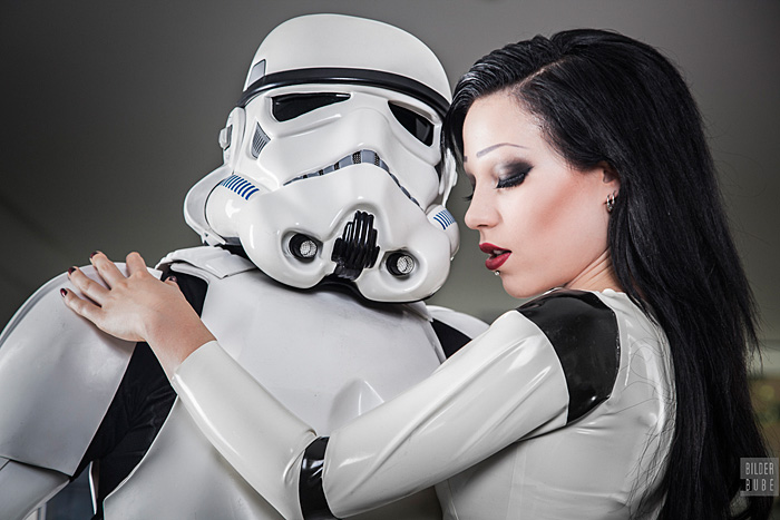 latex-stormtrooper-cosplay-05