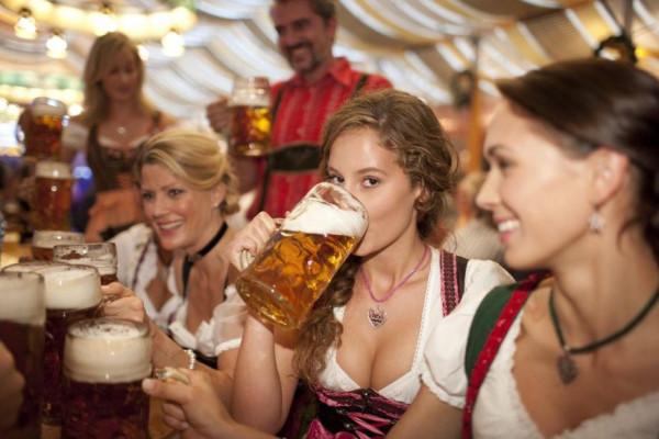 cerveza y mujer