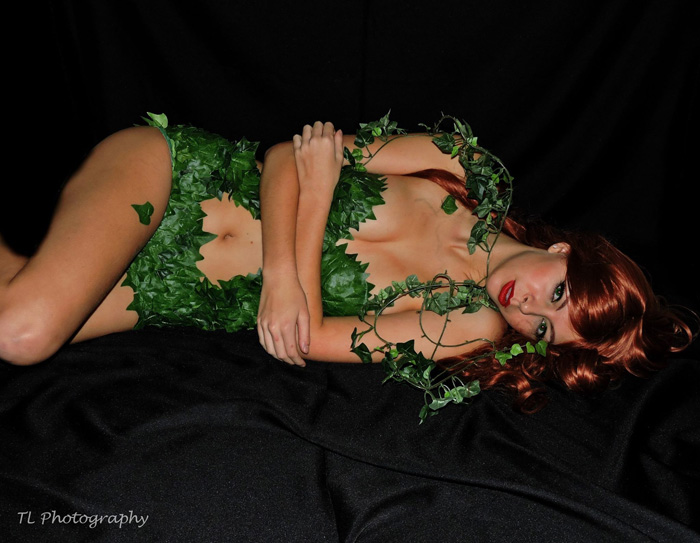 poison-ivy-cosplay-02