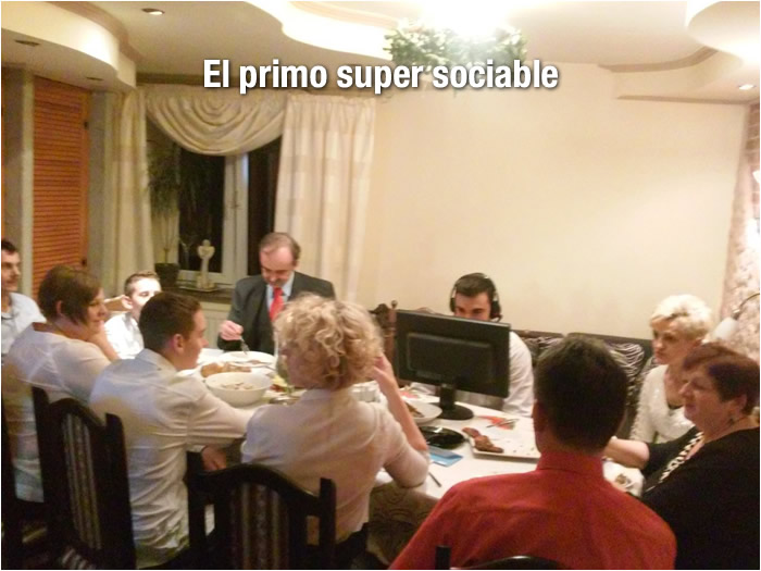 el primo super sociable