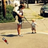 Perro y bebé en… papeles invertidos